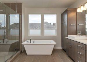 3833 SE 27th master bath soaking tub